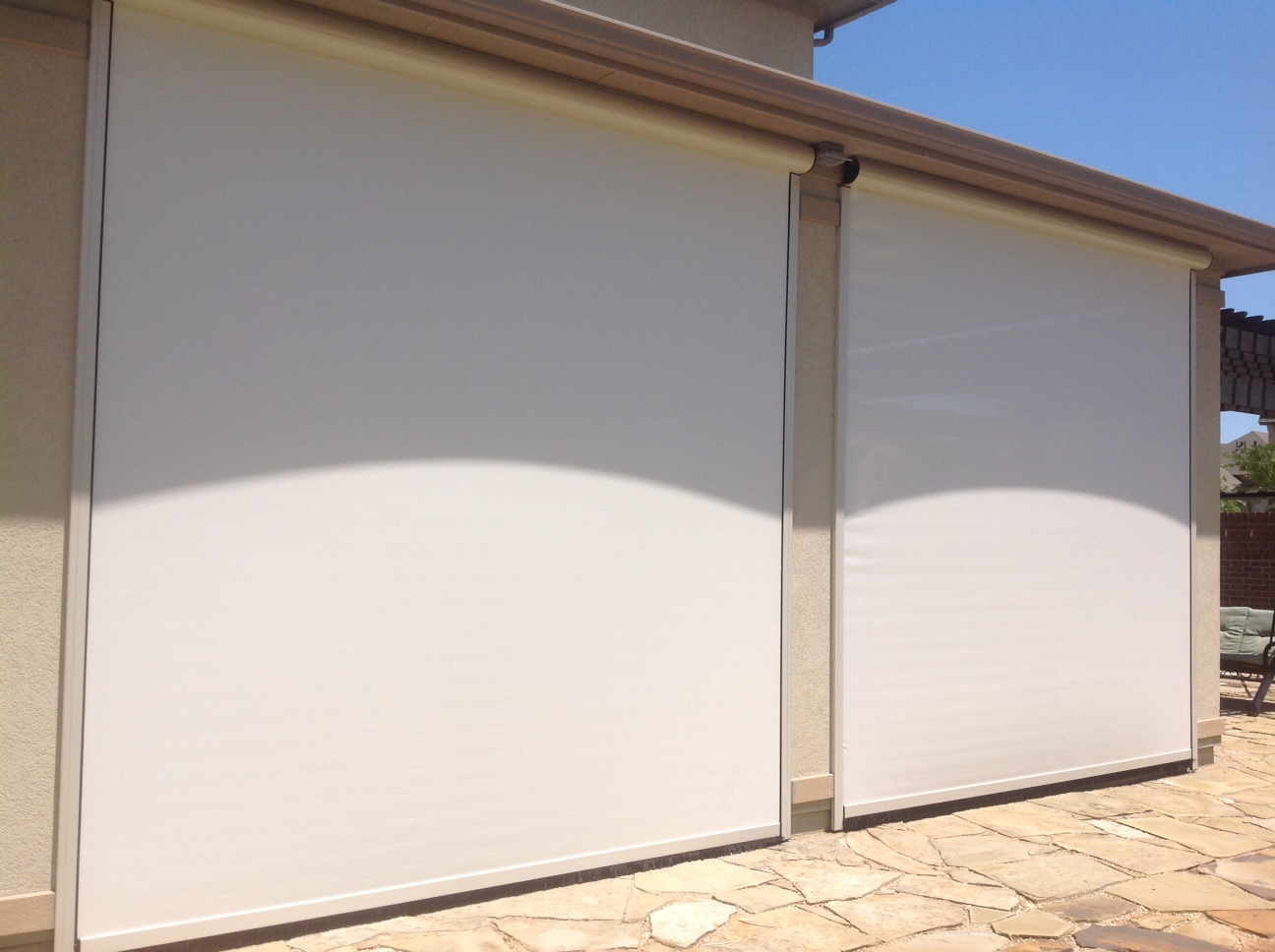 houston-motorized-retractable-screens (1)