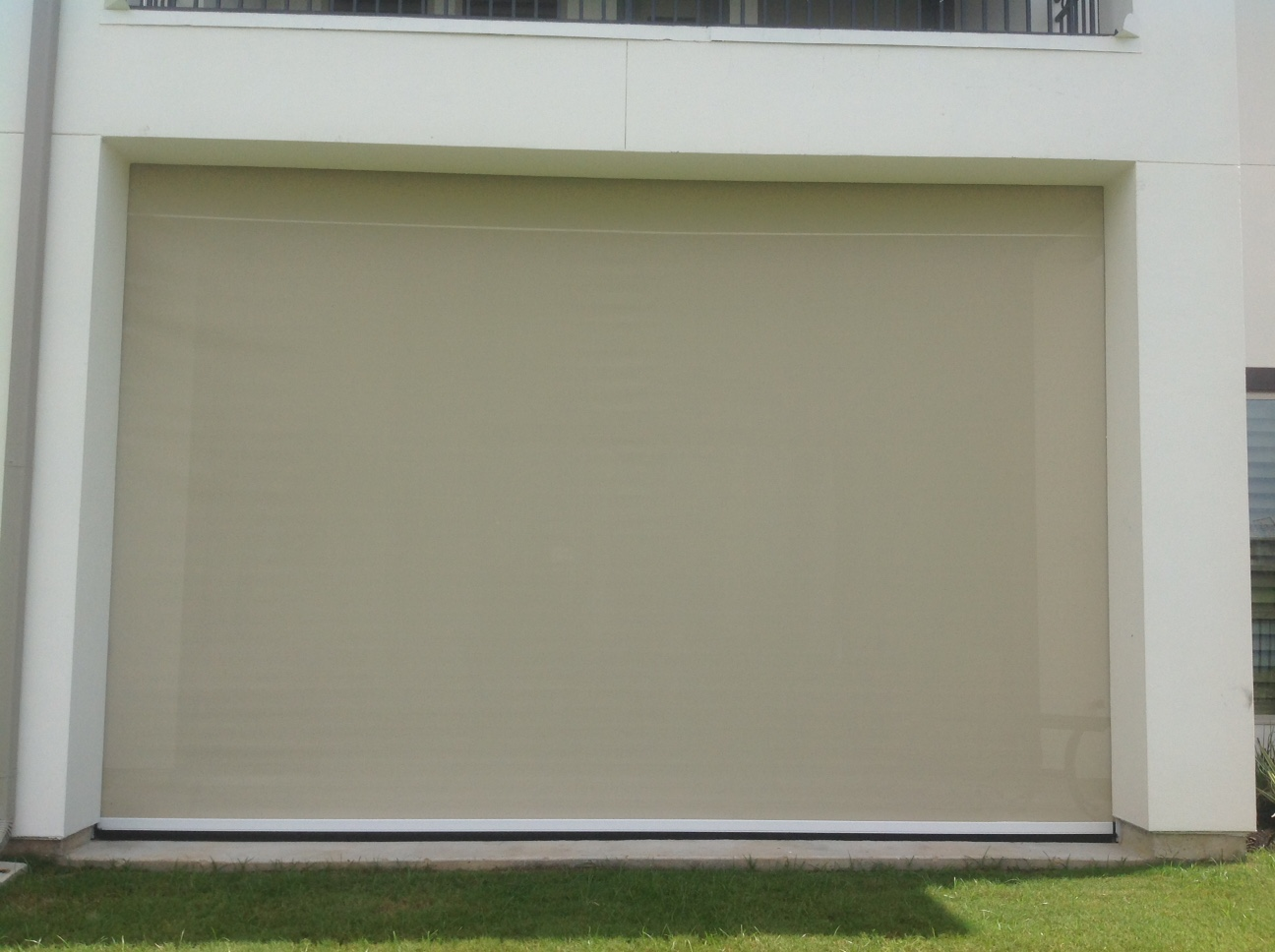 houston-motorized-retractable-screens (6)