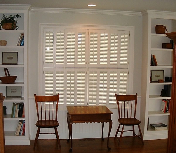Houston, Texas Colonial Shutters